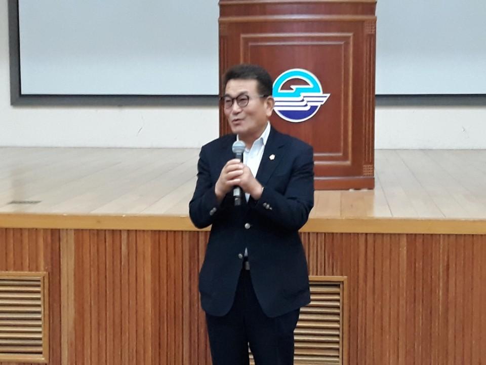 [크기변환]축사 이삼수 시의회의장.jpg